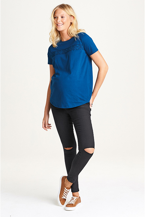 ג'ינס סקיני שחור להריון עם רצועת בטן צרה, עם קרעים, אתר נקסט