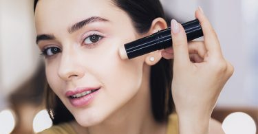 איך להסתיר פיגמנטציה בהריון עם איפור