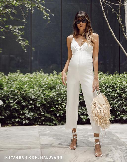 אוברול לבן בהריון